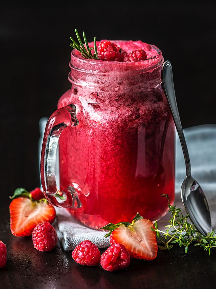 berries-black-background-blended-1595006